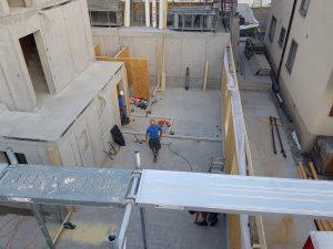 Aufrichtarbeiten MFH in Holzbauweise-1