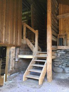 Durchgängige Altholzkonstruktionen