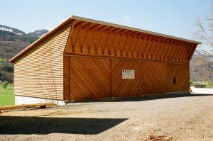 Remise mit Holzfassade und Pultdachkonstruktion